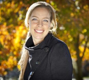 woman-smiling-park